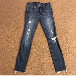 Abercrombie & Fitch Distressed Harper skinny jeans